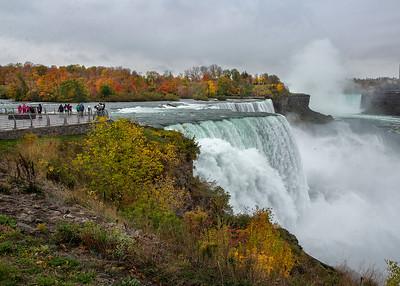 201021 Falls Color James Neiss/staff photographer  Niagara Falls, NY - Autumn color surrounds tourists and Niagara Falls.