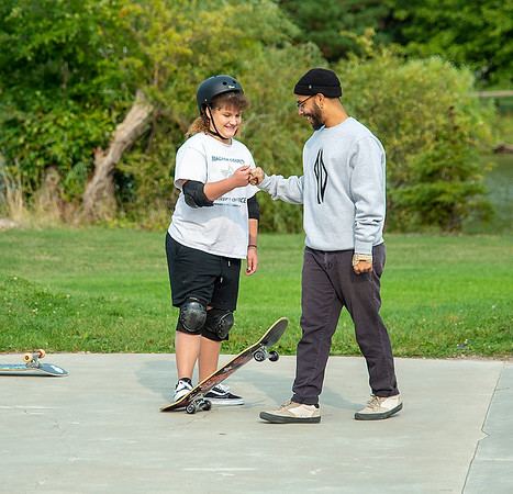 200915 Skateboard instructor 3