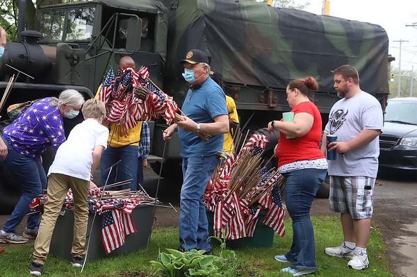 200523 Oakwood Flags 2