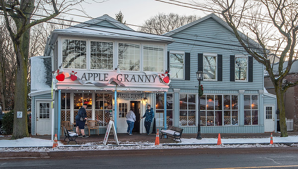 201202 COVID Restaurants 7<br /> James Neiss/staff photographer <br /> Lewiston, NY - Customer's head into Apple Granny on Center Street in Lewiston.