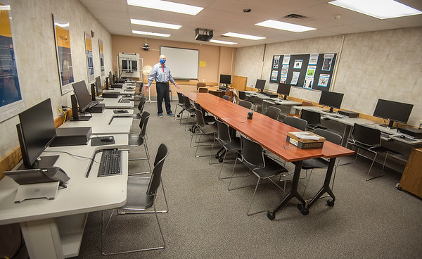 200813 Job Search 4<br /> James Neiss/staff photographer <br /> Niagara Falls, NY - The Niagara branch of Worksource One Niagara Director Don Jablonski shows off a room with 12 computers dedicated to job workshops and training classes at the Trot building.