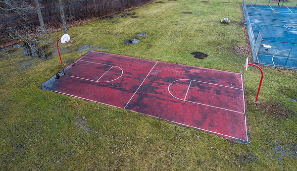 James Neiss/staff photographer <br /> Lewiston, NY - Old basketball court at Kiwanis Park.