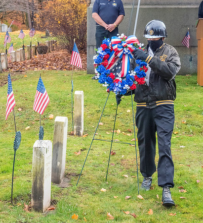 201111 LKPT Vets Day 2<br /> James Neiss/staff photographer <br /> Lockport, NY - Member Fred Blackwell of the B. Leo Dolan American Legion Post 410 lays the wreath during Veterans Day ceremonies at Cold Springs Cemetery.