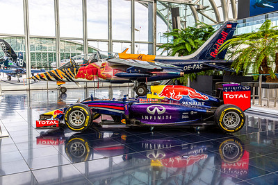 DA040,DP,Red_Bull_Owners_Jet_and_Race_Car_