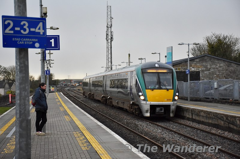 22004 arrives into Portlaoise from Laois Traincare Loop to form the 1625 Portlaoise - heuston. Tues 18.02.20