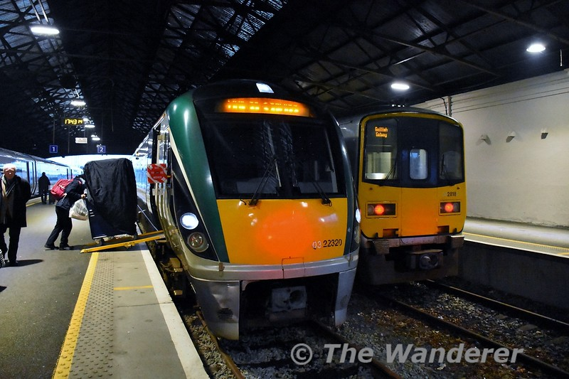 The Rail Gourmet Trolley is wheeled off 22020 at Limerick after arriving with the 1530 from heuston. 2818 + 2817 alongside will be Galway bound at 1805. Tues 18.02.20