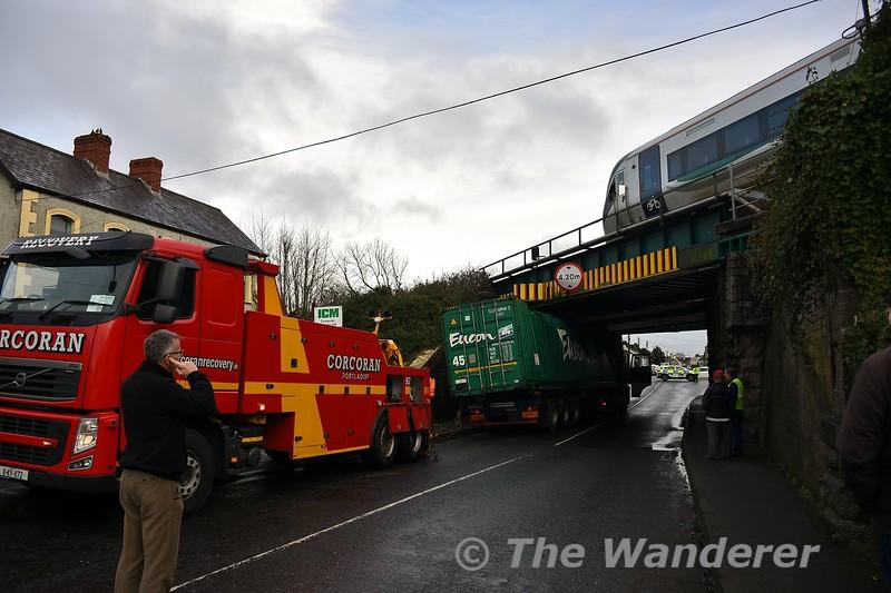 Mountrath Road Bridge (UBC146) bridge strike in Portlaoise. 22006 crosses the bridge heading from Laois Depot Loop to Portlaoise Station to form the delayed 1325 Portlaoise - Heuston. Thurs 02.01.20