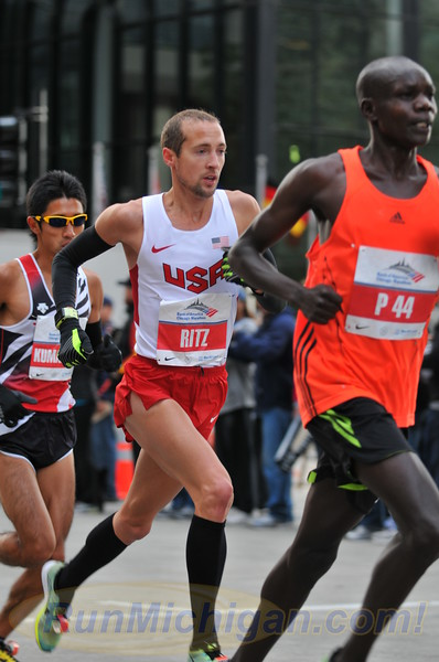Dathan Ritzenhein on his way to a 2:07:47 finish at the 2012 Chicago Marathon on October 7, 2012. (Photo by Dave McCauley)