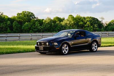 Blk Mustang TNiA