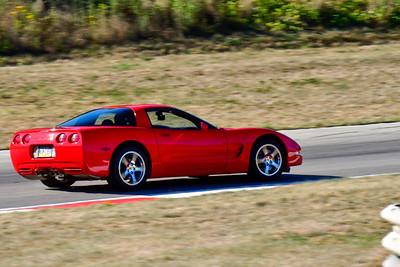 2020 SCCA TNiA Aug19 Red Vette Older