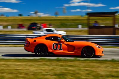2020 SCCA TNiA Aug19 Int Orange Viper