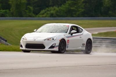 2020 SCCA TNiA Pitt Race Sept2 Adv White Twin