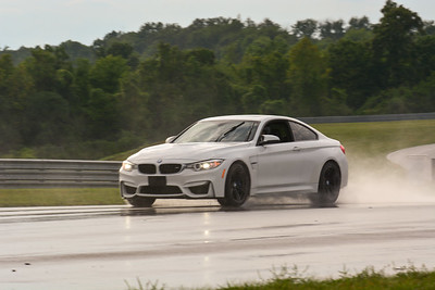 2020 SCCA TNiA Sept2 Pitt Race Nov White BMW