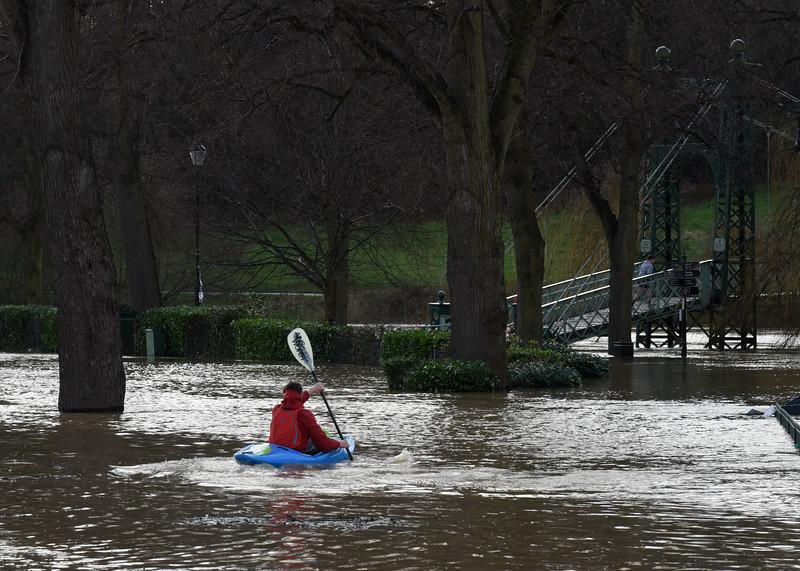 A canoeist, Quarry Park, Shrewsbury 4pm. 17-2-20.