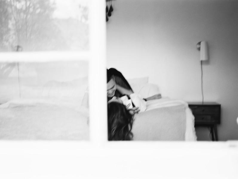 At home session - Southern California lifestyle session at a modern, desert, boho home in Joshua Tree - Kristen Krehbiel -Kristen Kay Photography | #athome #travel #modern #couple