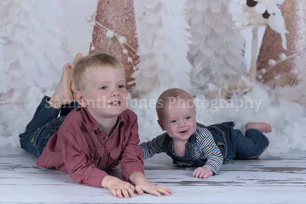 Isaac and Joshua Christmas mini sessions 14 October 2017