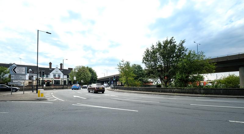 A4127 crossroads, Greenford