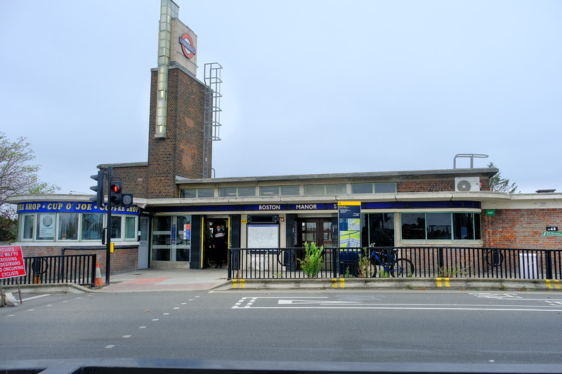 Boston Manor Station,  Northfields