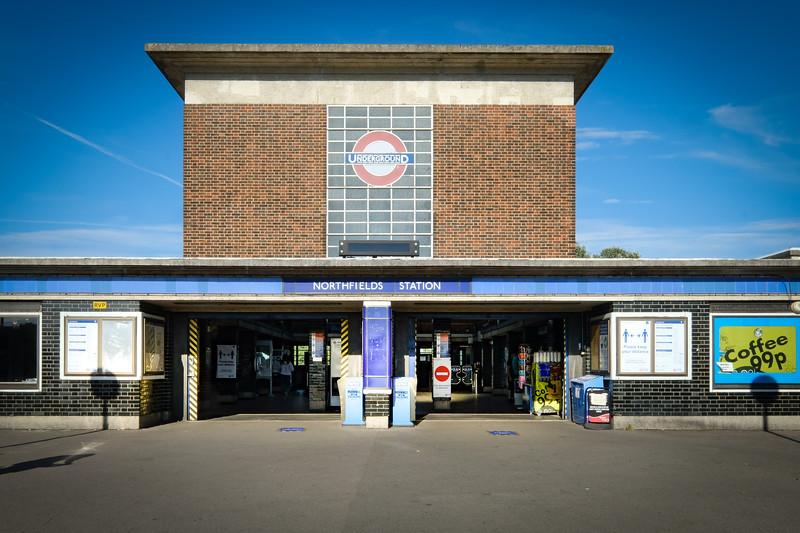 Northfields Station, Northfields