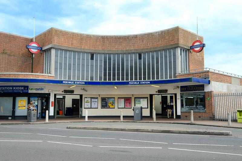 Perivale Station, Perivale
