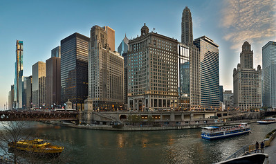 DA022,DT,Chicago river evening glow