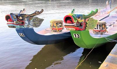 06,DA104,DP,Dragon Boats on the Mississippi River 2