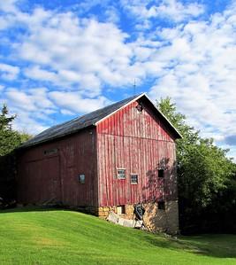 DA104,DT,Back O the Barn, East Dubuque, Illinois