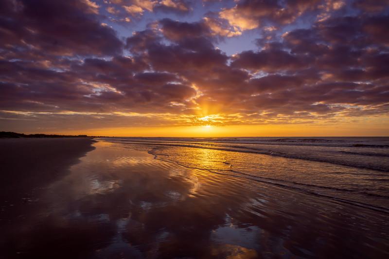 10-19-20 Sunrise at the Beach Club