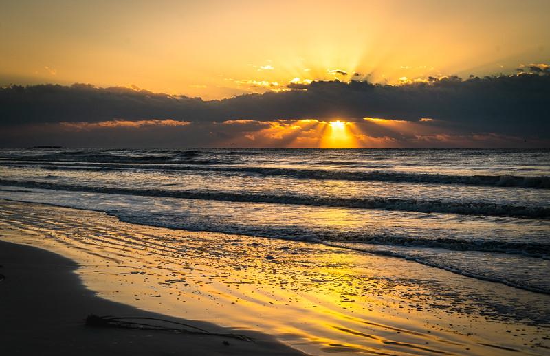Sunrise Beach Club 10-31