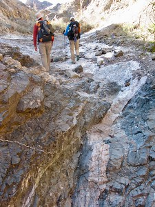 9 Dike between different rocks