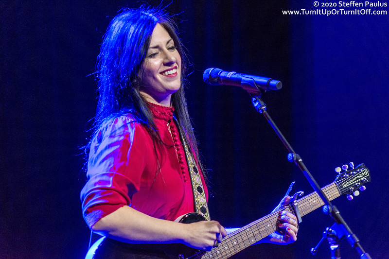 Andrea Ramolo @ International Women's Day Solidarity Concert for Wet'suwet'en @ Paradise, Toronto, ON, 7-March 2020