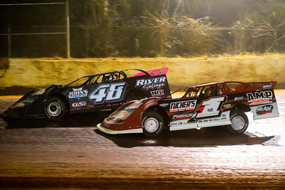 Colton Flinner (48) and Riley Hickman (R1)