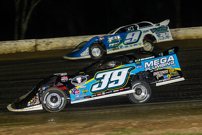 Tim McCreadie (39) and Devin Moran (9)