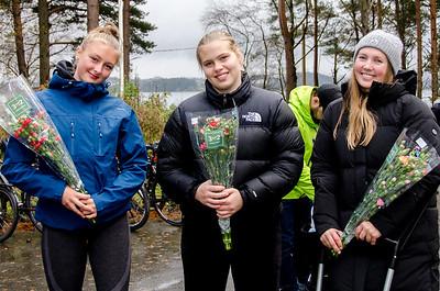 Blomster og takk ved sesongavslutningen_ (6)