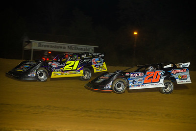 Billy Moyer (21) and Ricky Thornton, Jr. (20RT)