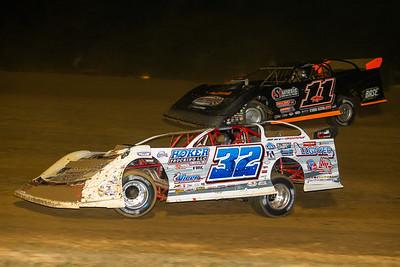 Bobby Pierce (32) and Josh Rice (11R)