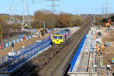 1 December 2020 :: 66587 is passing the construction site of the new station at Green Park while working 4M58 from Southampton to Garston