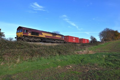 1 December 2020 :: Southbound at Mortimer is 66095 with 4O43 from Wakefield to Southampton