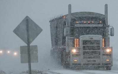 Falling snow made driving a little more difficult in Morinville on Saturday Feb. 1, 2020.  John Lucas/St. Albert Gazette