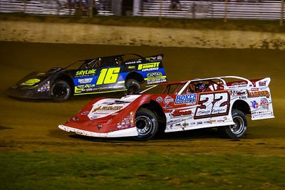 Bobby Pierce (32) and Tyler Bruening (16)