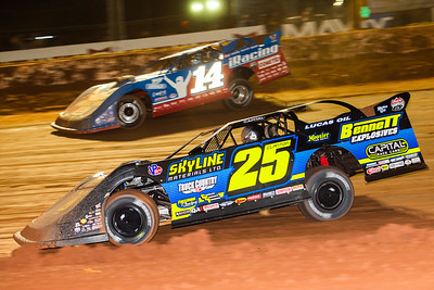 Shane Clanton (25) and Josh Richards (14)