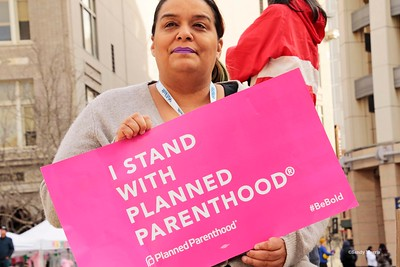 _W5A0029c I stand w-Planned Parenthood©Sandy Morris