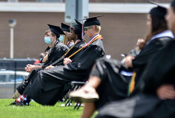 MET 071820 THS Grad