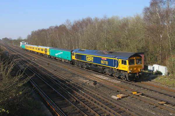 66710 Worting Junction 27/03/20 5Z23 Eastleigh to Hornsey EMU Depot with 313121 (luckily todays walk coincided with this move)