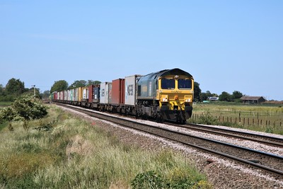 66524 passing Wisbech Road crossing, Manea at 1318/4L93 Lawley Street to Felixstowe