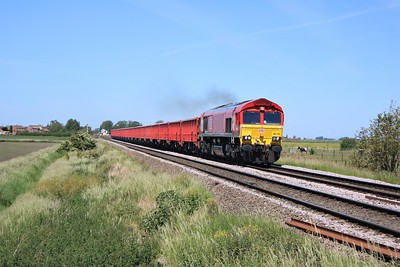 66135 passing Wisbech Road crossing, Manea at 1158/6z54 Toton to Chesterton