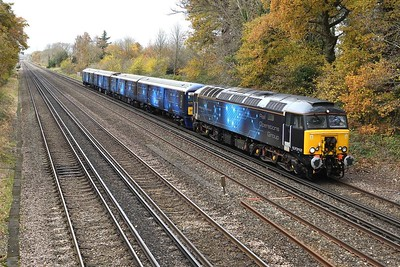 17 November 2020 :: At Old Basing is 57312 with 319 373 both in ROG livery working 5Q71 from Eastleigh to Wembley where the unit is later scheduled to make test runs to Bletchley