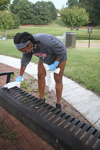 Students come together and serve as they clean up campus. Sponsored by ServeU.