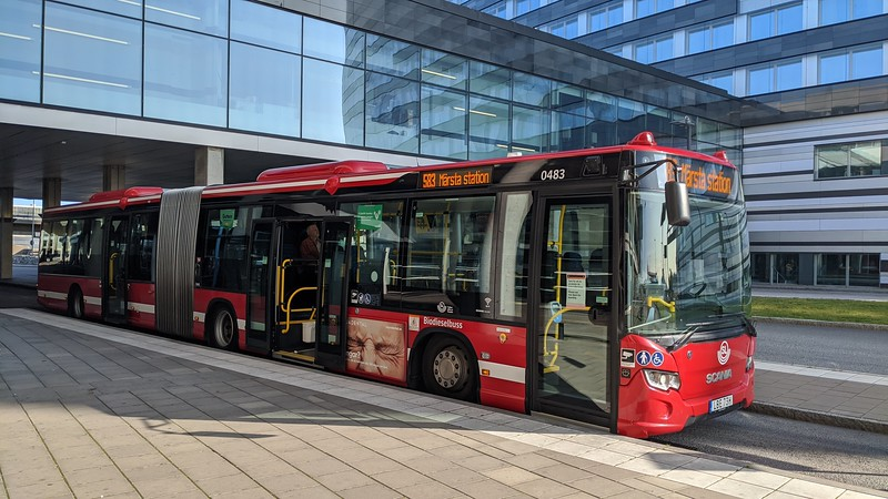 SL (Transdev) articulated Scania Citywide LBE73H 0483 at Arlanda airport on route 583 to Märsta, 19.09.2020.