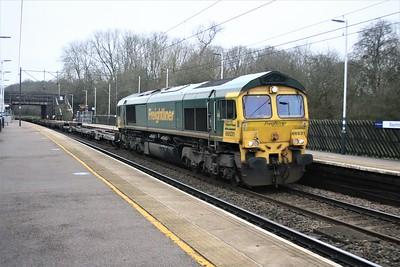 66531 1332/4E24 London Gateway - Leeds passes Bayford  22/12/20
